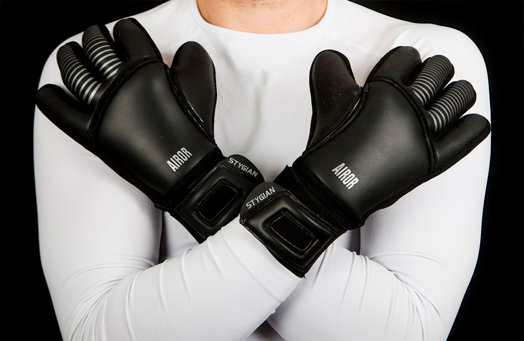 AIROR Black Stygian Gloves